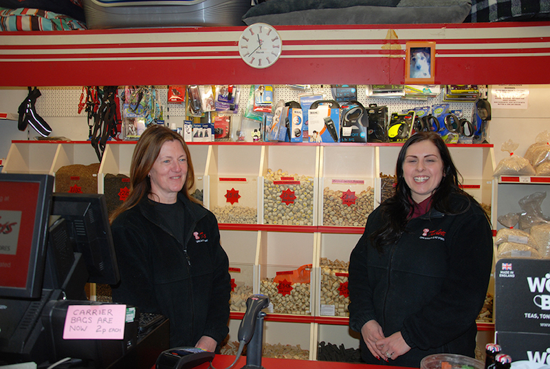 Anita and Kelly of Alfreton Branch